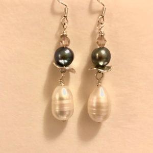 Stunning Grey & Cream Freshwater Pearl Earrings